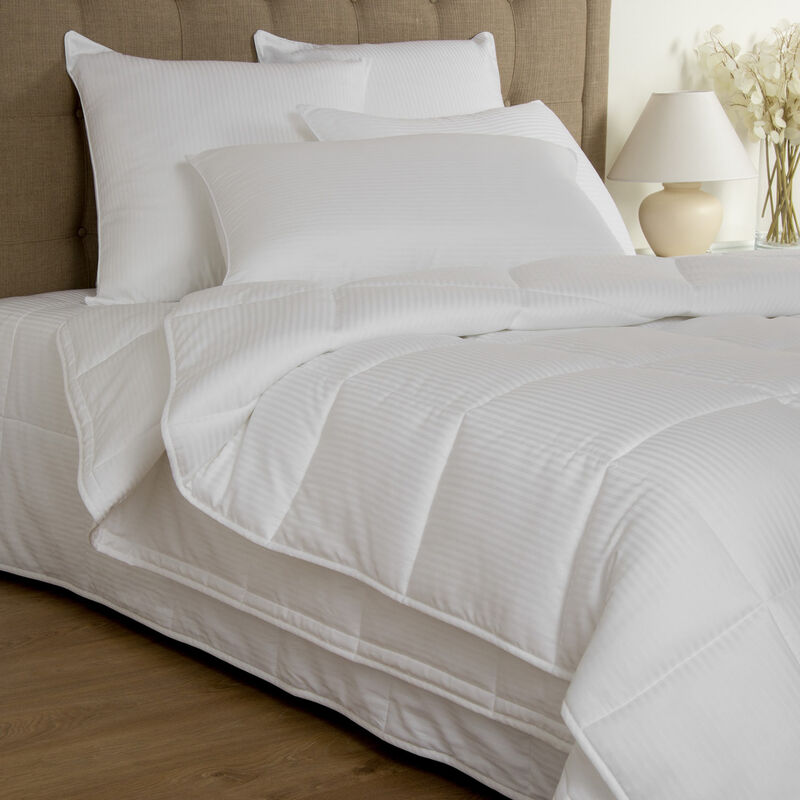Nuvola Warm Down Alternative Comforter