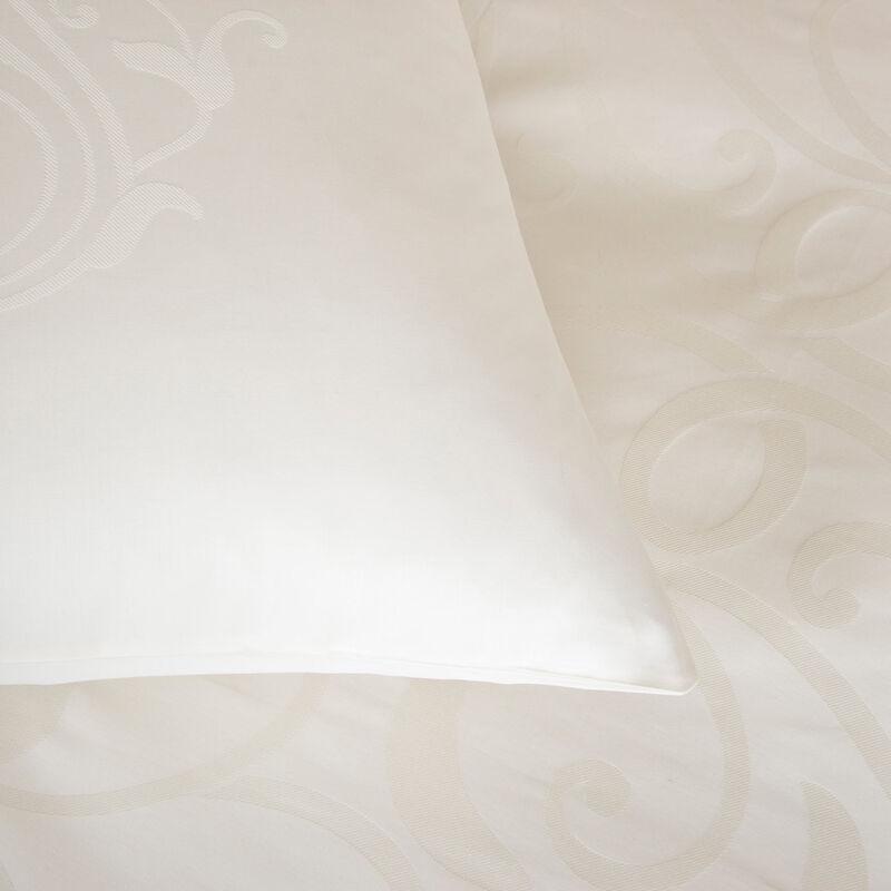 Medallion Heart Euro Pillowcase