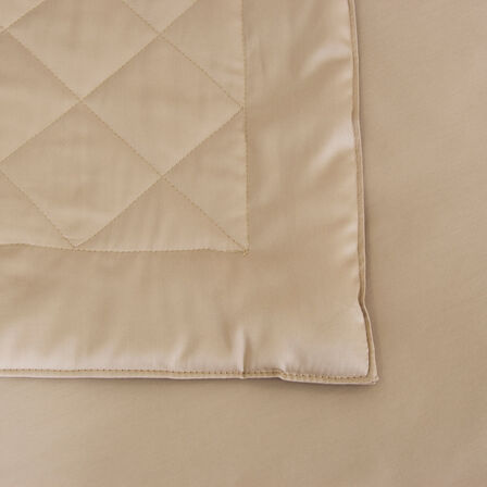 Tecla Light Quilt