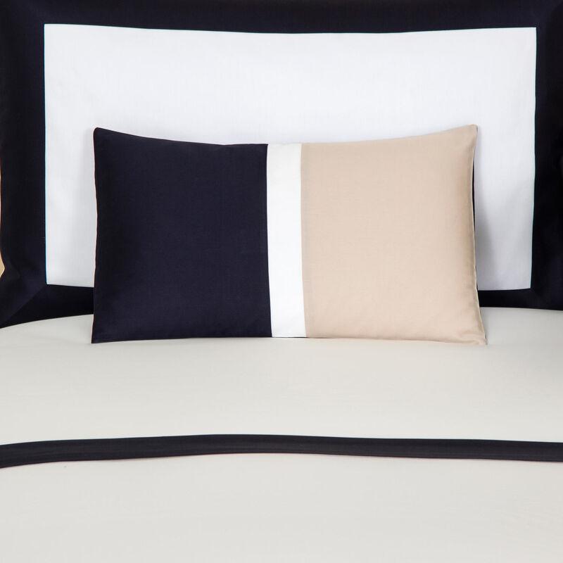 bold-boudoir-pillowcase