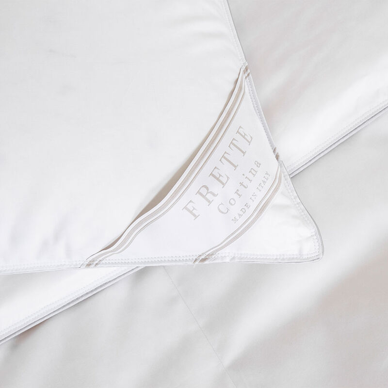 Cortina Medium Down Pillow Filler