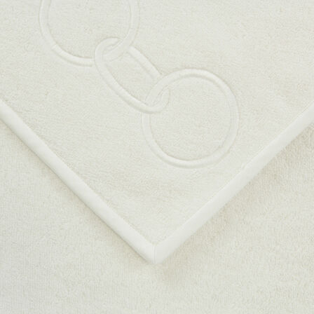 Links Embroidered Guest Towel
