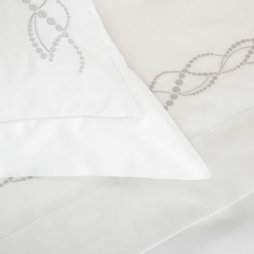 Pearls Embroidered Duvet Cover Set