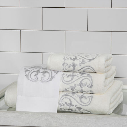 Ornate Medallion Embroidered Guest Towel